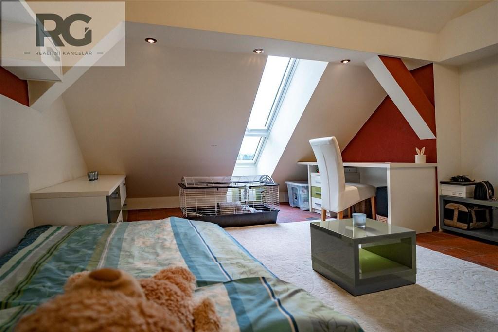 Prodej exkluzivního podkrovního bytu s terasou, Fráni Šrámka, Písek č.11