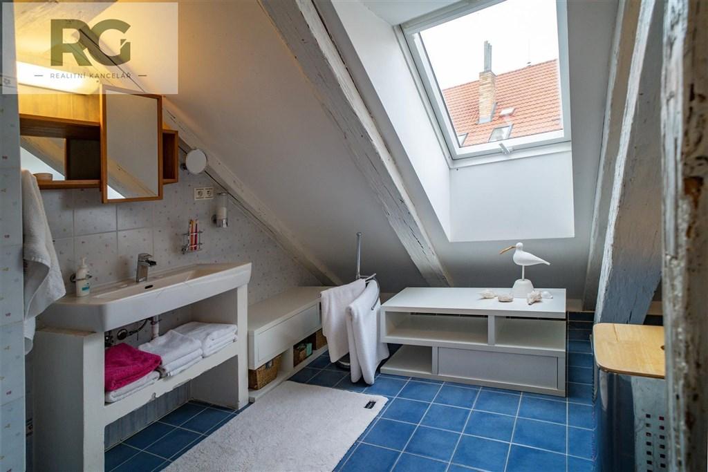 Prodej exkluzivního podkrovního bytu s terasou, Fráni Šrámka, Písek č.9