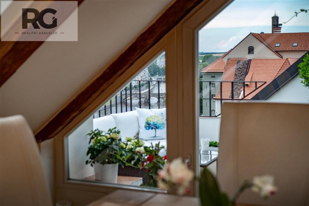 Prodej exkluzivního podkrovního bytu s terasou, Fráni Šrámka, Písek č.17