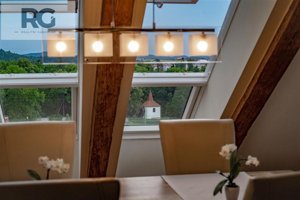 Prodej exkluzivního podkrovního bytu s terasou, Fráni Šrámka, Písek č.18