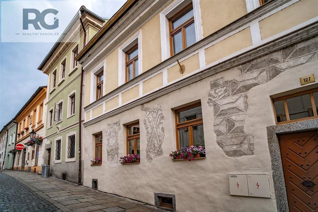 Prodej exkluzivního podkrovního bytu s terasou, Fráni Šrámka, Písek č.21